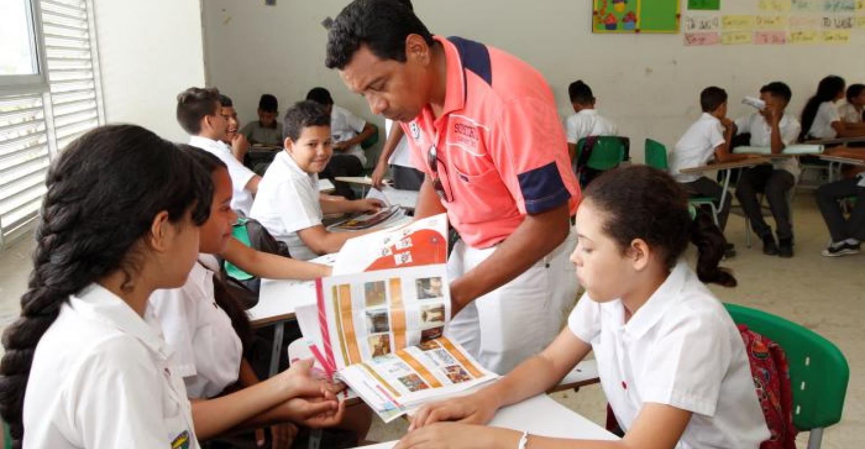 Es en la Institución Educativa Normal Superior de los Montes de María, en San Juan, donde se forman los docentes de esta región de nuestro departamento desde hace 56 años, y una de solo tres que hay en Bolívar, además de la de Cartagena y Mompox.